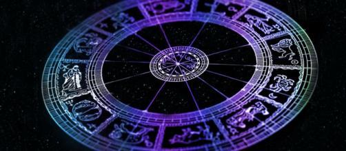 Una rappresentazione dei dodici segni dello zodiaco