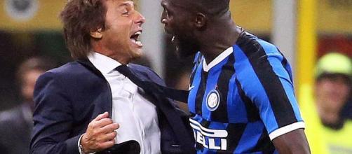 Antonio Conte esulta con Lukaku