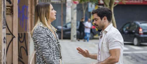 Britney ficará nervosa após Abel pedir a ela que devolva a porca Lady. (Reprodução/Rede Globo)