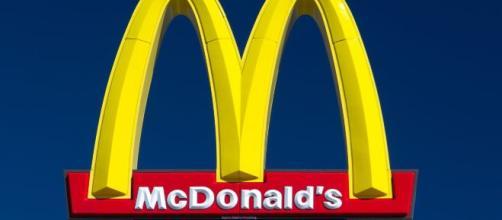 Il Ceo di McDonald's licenziato per una relazione amorosa con una dipendente