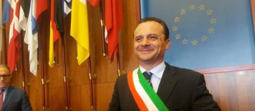 Il sindaco di Messina Cateno De Luca a Mattino 5 risponde alle critiche