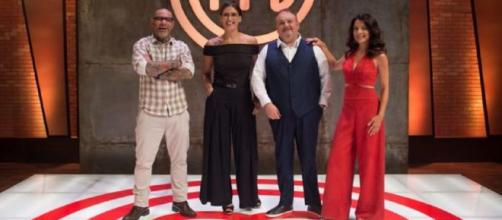 Jurados e apresentadores na divulgação da nova temporada do MasterChef Brasil. (Divulgação/ Bandeirantes)