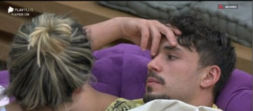Lucas Viana desabafa em 'A Fazenda'. (Reprodução/Record TV)