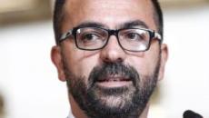 Fioramonti: 'Tassa sui voli aerei per finanziare l'istruzione pubblica'