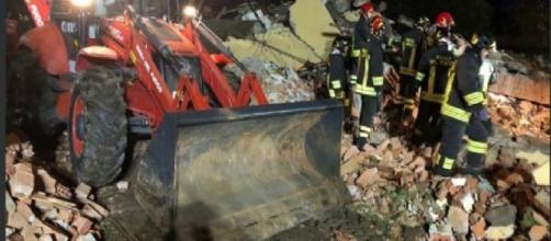 Alessandria, esplode edificio disabitato a Quargnento, morti tre Vigili del Fuoco