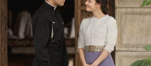 Anticipazioni Una Vita, serale del 5 novembre: Padre Telmo e Lucia sorpresi senza veli