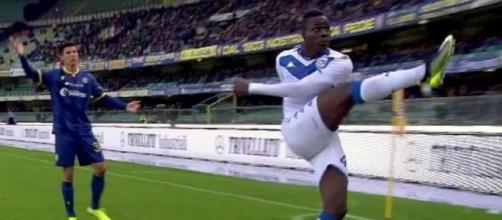 Mario Balotelli infuriato con i tifosi del Verona