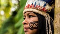 Após morte, índios são retirados da floresta e ficam sob proteção policial