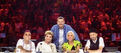 Alessandro Cattelan e la giuria di X Factor 13- top10scommesse.it