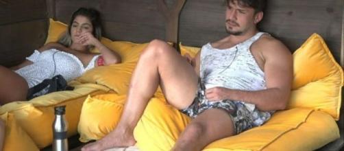 Lucas e Hariany terminaram pela segunda vez em 'A Fazenda'. (Reprodução/ Record TV)
