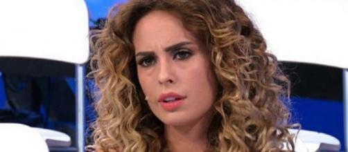 Sara Affi Fella, ex U&D, piange su Instagram per colpa degli haters: 'Basta, gente di m...'.