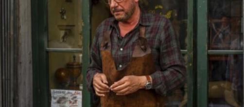 Sergio Castellitto è Vanni nella serie Pezzi unici