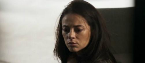 Vivi pode quebrar a cara confiando na governanta Berta em 'A Dona do Pedaço'. (Reprodução/Rede Globo)