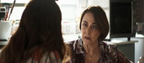 Evelina deixará a filha em choque ao defender assassinatos de Josiane. Reprodução/TV Globo
