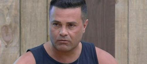 Rodrigo Phavanello conversa com peões sobre fala racista contra Sabrina. (Reprodução/RecordTV)