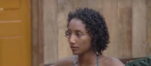 Sabrina Paiva relata ter sido chamada de 'macaco'. (Reprodução/Record TV)