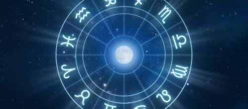Astrologia del weekend 9-10 novembre: Luna nei Gemelli, Vergine nervosa