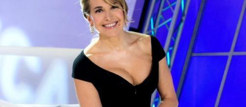Barbara d'Urso come sempre colonna portante della domenica di Canale 5