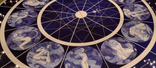 Previsioni astrali di venerdì 8 novembre: novità per Ariete, bene anche Cancro e Leone