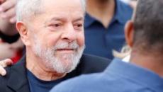 Contemplado com decisão do STF, Lula ganha liberdade e fala em casamento com socióloga