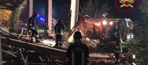 Alessandria, cascina esplosa a Quargneto: il proprietario confessa