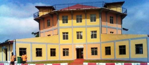 Le nouveau marché moderne de Sangmélima au Sud Cameroun (c) Odile Pahai