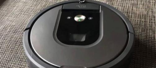 Recensione aspirapolvere-robot Roomba 960.