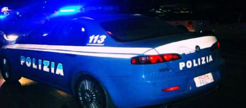 I giovani sono stati soccorsi dagli agenti della Squadra Volanti della Polizia.