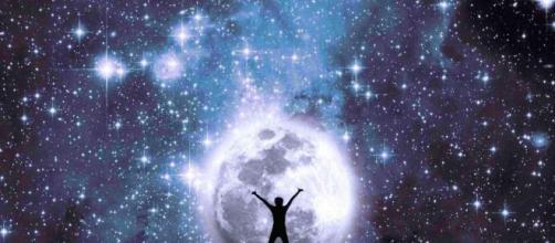 L'oroscopo di domani 2 dicembre e classifica: Leone lunatico, bene l'amore per Pesci