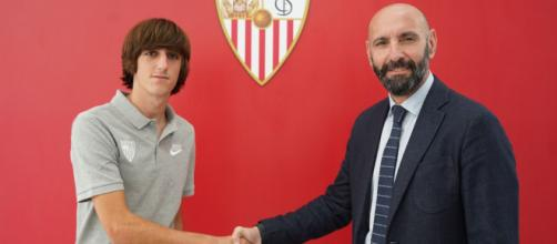 Bryan Gil signs contract extension until 2023 | Sevilla FC - sevillafc.es