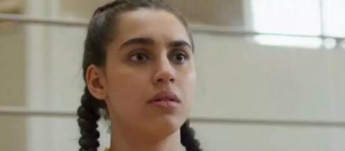Gabriela sofrerá no hospital, e autores criticarão proibição a doação de sangue por homossexuais. (Reprodução/TV Globo)