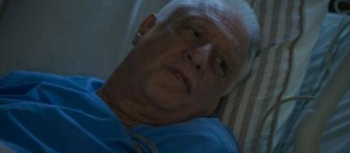 Alberto (Antonio Fagundes) ficará cansado de lutar contra doença e pedirá ajuda para morrer em Bom Sucesso. Reprodução/TV Globo