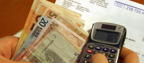 Bollette pazze: un emendamento introduce rimborsi per i consumatori e una penale per i gestori.