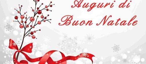 Frasi Originali Auguri Natale.Auguri Di Natale 20 Frasi Romantiche E Originali Da Inviare Ai Propri Cari