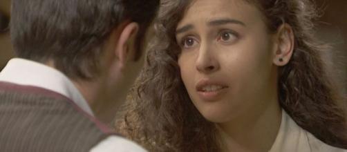 Il Segreto, trame: Lola rivela a Prudencio di aver ucciso suo padre per salvare la sorella