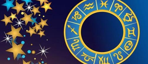 L'oroscopo del 13 dicembre: insidie per lo Scorpione, le stelle favoriscono il Leone