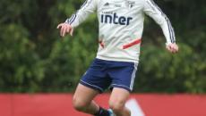 São Paulo manda Raniel para o Santos, e Vitor Bueno fica em definitivo