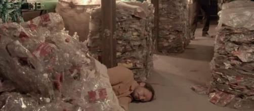 Davi ficará entre a vida e a morte após ficar preso em incêndio na sede de sua ONG. (Reprodução/TV Globo)
