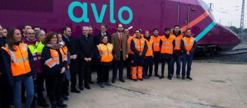 """El AVE """"low-cost"""" llega a España con el nombre de 'avlo'"""