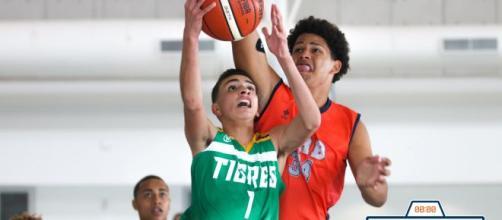 El baloncesto requiere un trabajo muscular intenso. - buzzerbeaterpr.com