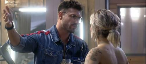 Guilherme deixou a festa após briga com Tati. (Reprodução/Record TV)