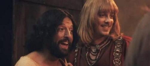 No especial de Natal, o 'Porta dos Fundos' retratou Jesus como homossexual. (Reprodução/Netflix)