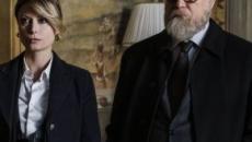 'Il processo', ultima puntata in replica su Mediaset Play: Elena viene sospesa