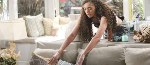 Beautiful: Zoe scopre che Phoebe è Beth.