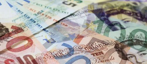 La mayoría absoluta de Johnson revoluciona el valor de la libra.