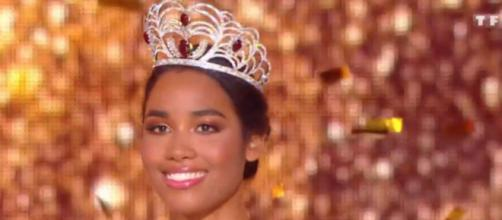 Clémence Botino élue Miss France 2020. Credit: Capture d'écran/TF1