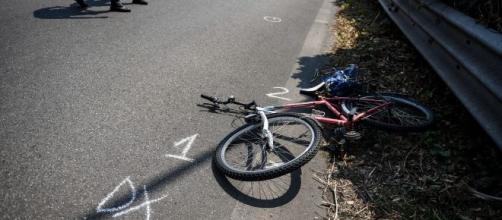 Verolanuova (Brescia), ubriaco travolge due ciclisti: Cremona piange Francesco e Gianfranco
