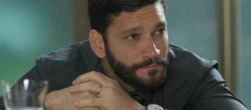 """Diogo não pensará duas vezes e vai fazer mais uma vítima em """"Bom Sucesso"""". (Reprodução/TV Globo)"""