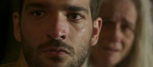 Sandro vira empregado de Vitória em 'Amor de Mãe'. (Reprodução/TV Globo)