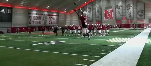 The Huskers are looking to reel in another big get [Image via Big Ten Network/YouTube]